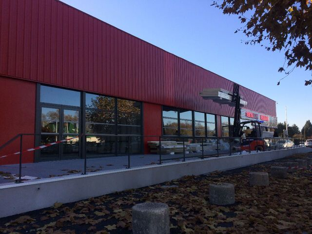 Cellule commerciale Poitiers Géant Casino 325 m²