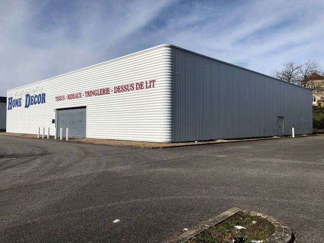 Local commercial - 1 000 m² - Châtellerault