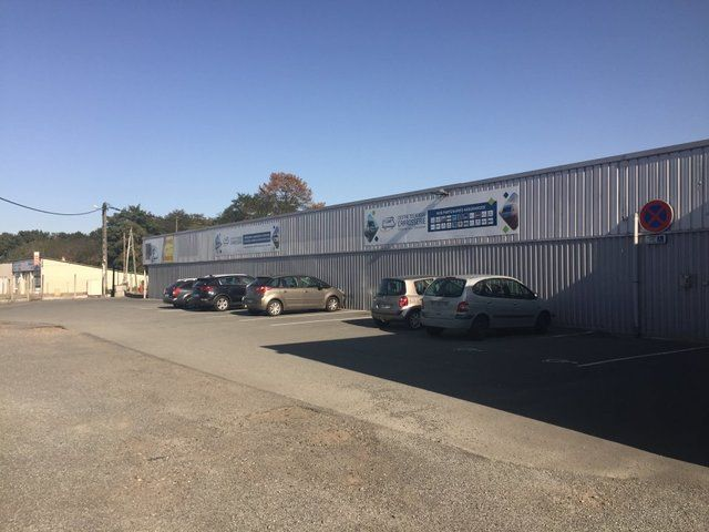 Local commercial Naintre 1300 m2