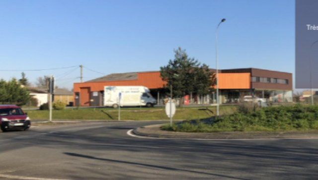 Local commercial Bessines 1000 m2