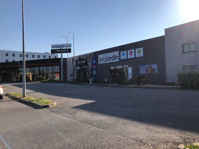 Local commercial Niort Mendès-France 220m2